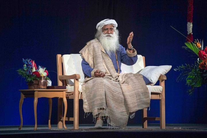 sadhguru-speaking